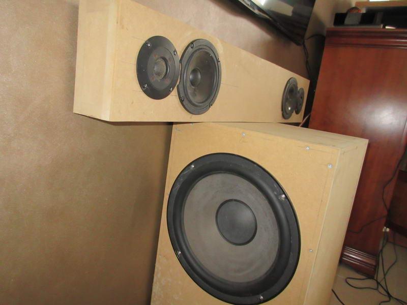 barre de son ou enceintes extra plates 30075852 sur le forum enceintes 1464 du. Black Bedroom Furniture Sets. Home Design Ideas